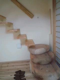 さあ二階へ.jpg